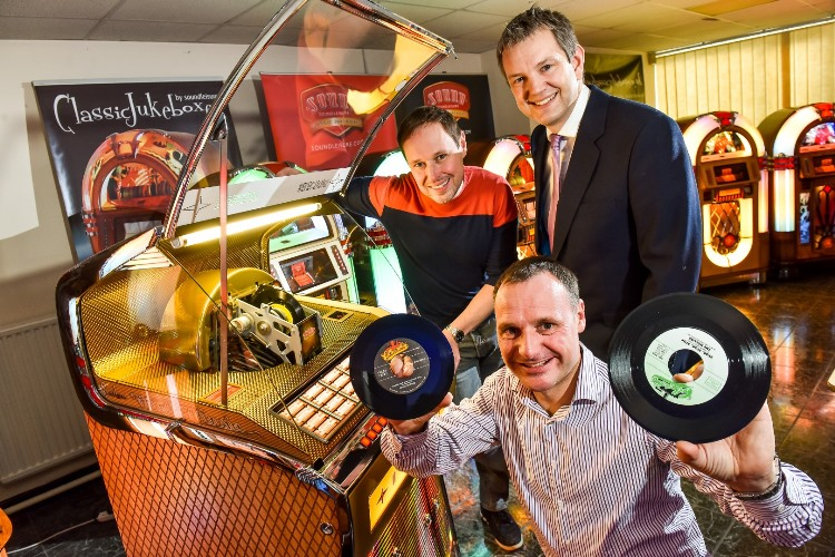 Sound Leisure starts production of world's only vinyl playing jukebox