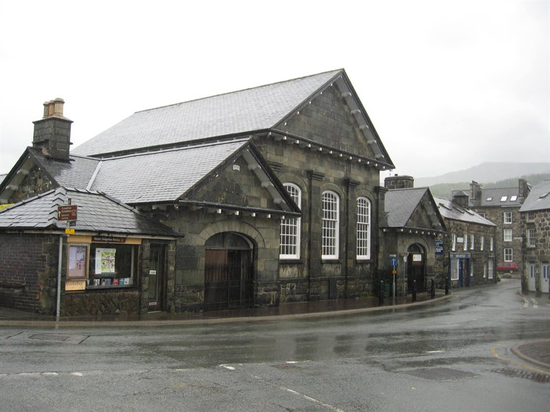 Dolgellau Magistrates Court and Pontsian Primary School to be sold at auction