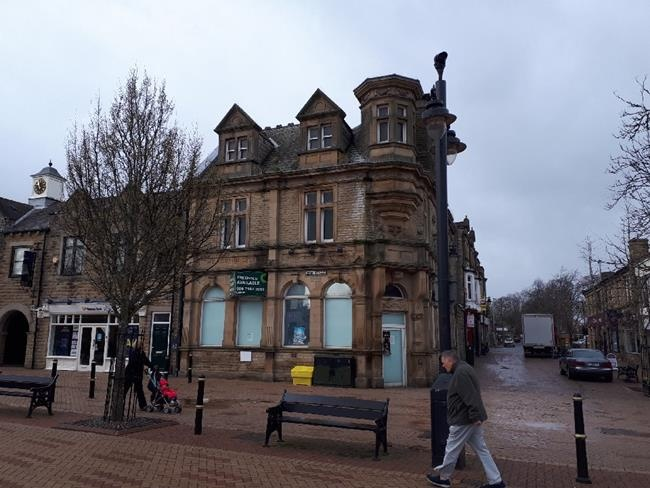Wakefield HSBC branch to go up for auction